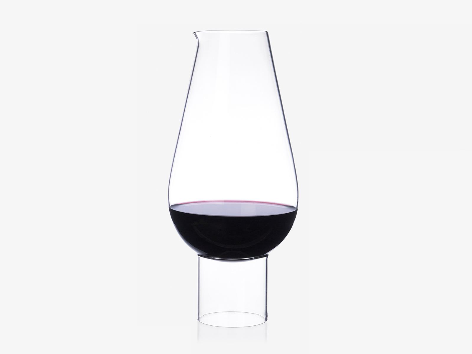 Hybrid wine carafe