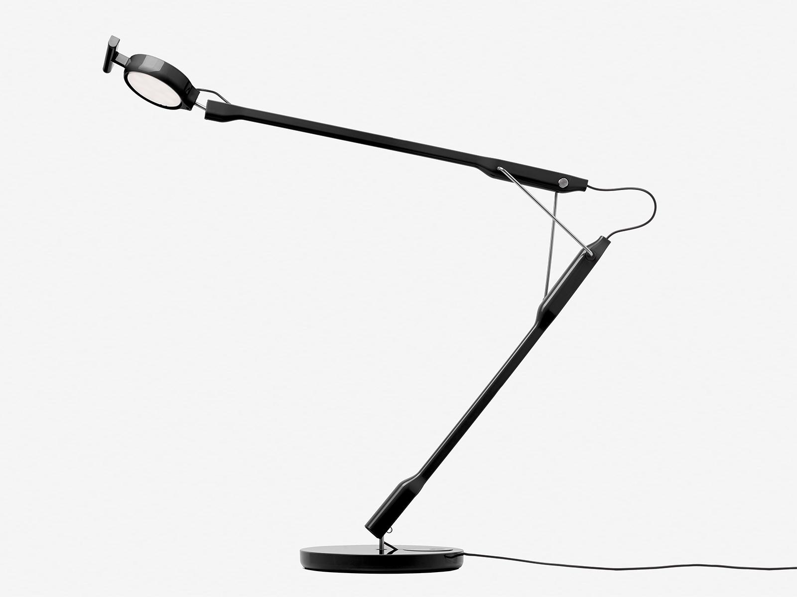 Tivedo task lamp by Sebastian Bergne