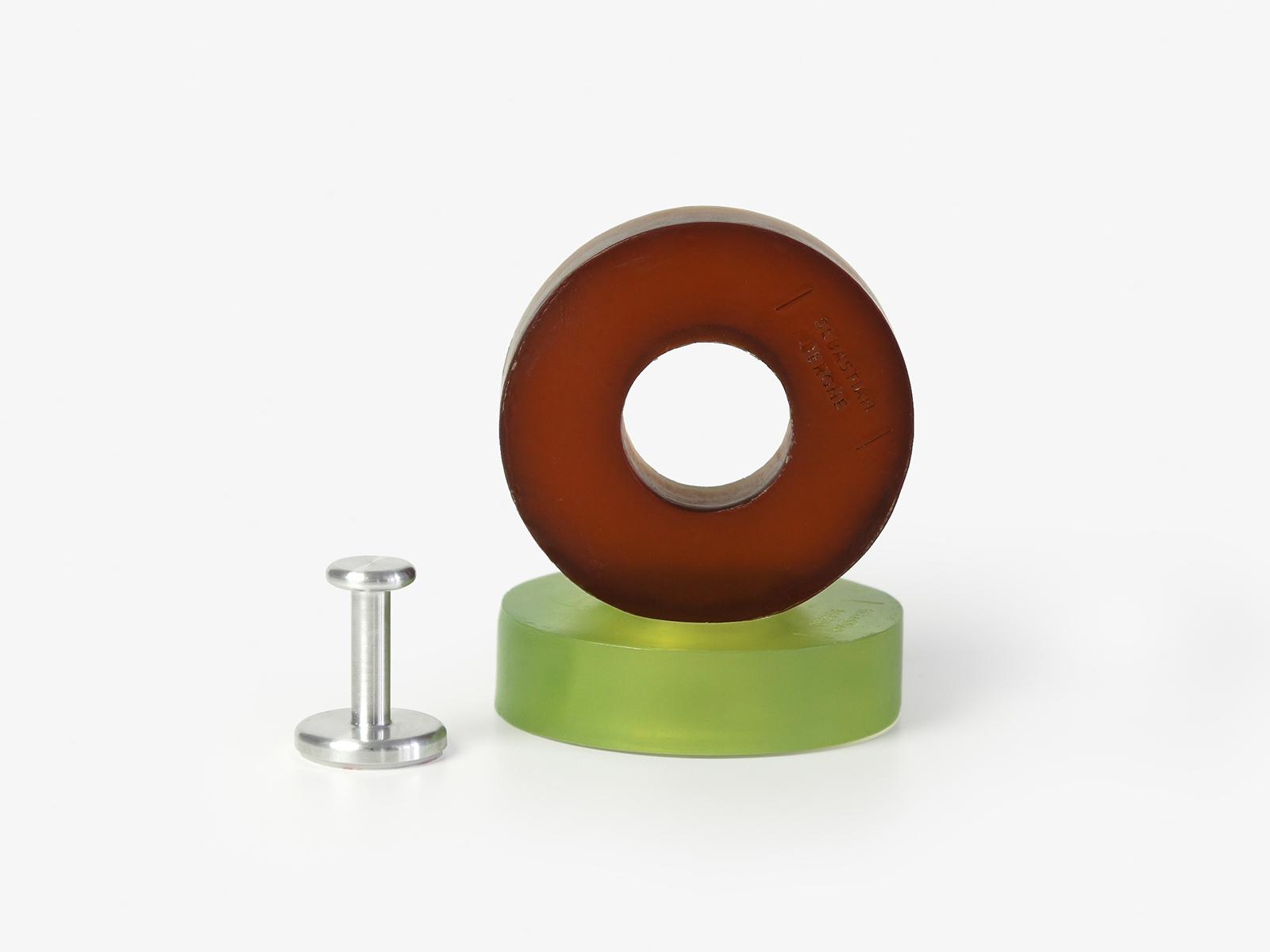 Amber & emerald Ring Soap & peg