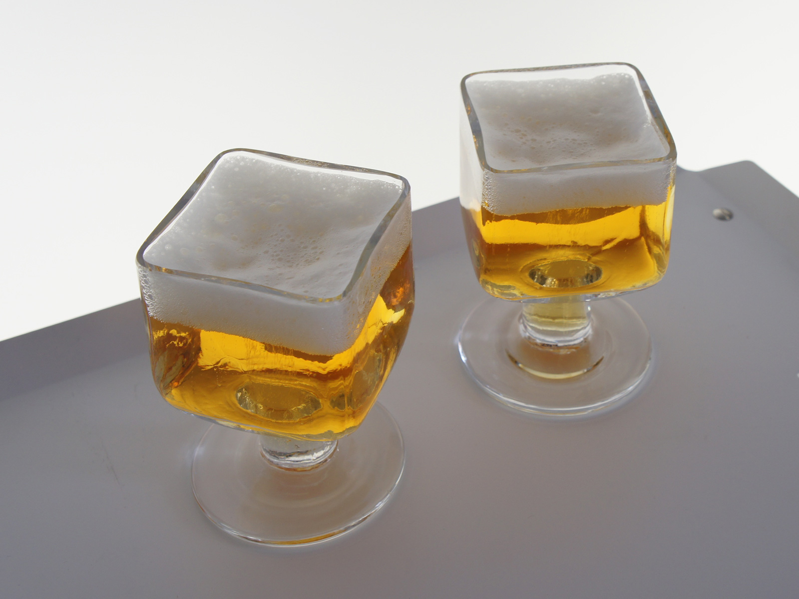 Cubit beer glass